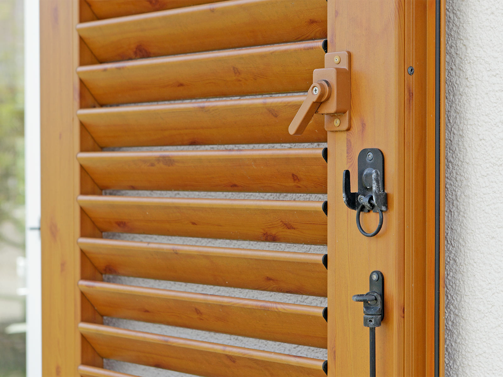 Fensterläden Holz - Holzoptik