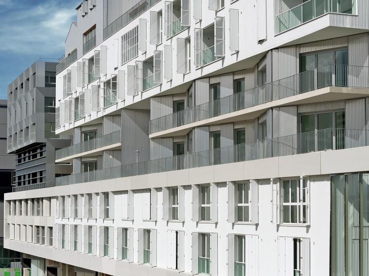 Les volets coulissants et volets coulissants et pliabes EHRET participent à l'aménagement de façades innovantes