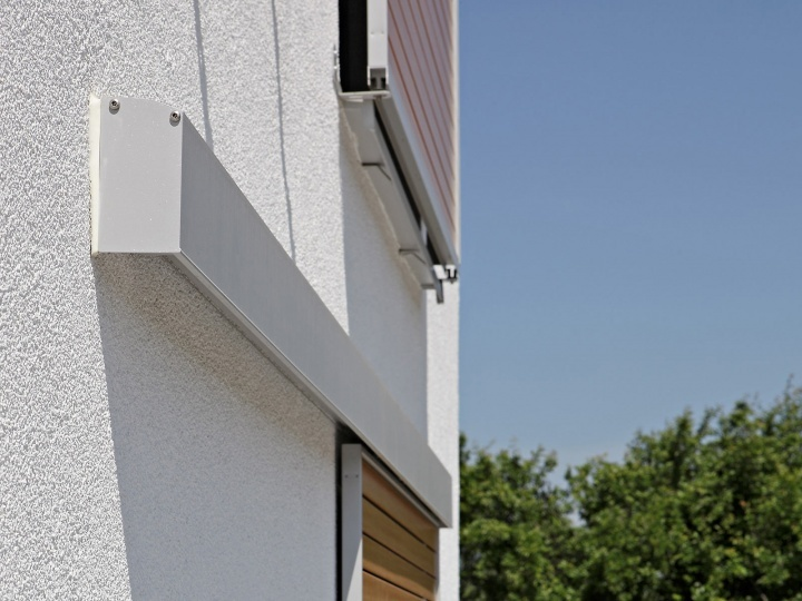 Montaggio a parete con copertura