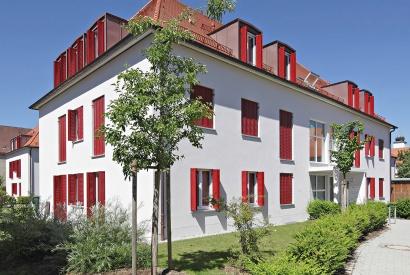 Mit EHRET Fensterläden den Stil eines Hauses unterstreichen